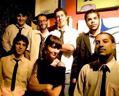 Slow foda é:  Isabela Fernandez (voz) , André Mota (Guitarra), André Henrique (baixo e vocais) Mauricio Caetano (bateria e vocais), Mauricio Fernandes (Teclado), Daniel Nogueira (Sax Tenor, Flauta e Vocais) e Amilcar Rodrigues (Trompete)
