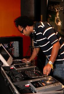 DJ Lenny Lançamento do filme Eu me lembro de Edgard Navarro