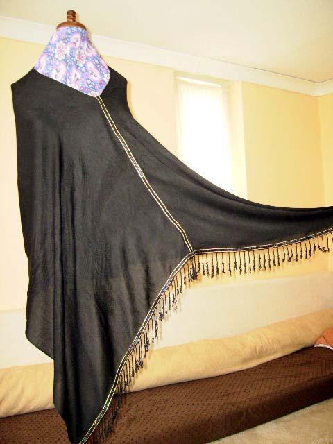 Gorgeous Saudi Catwalk Poncho!