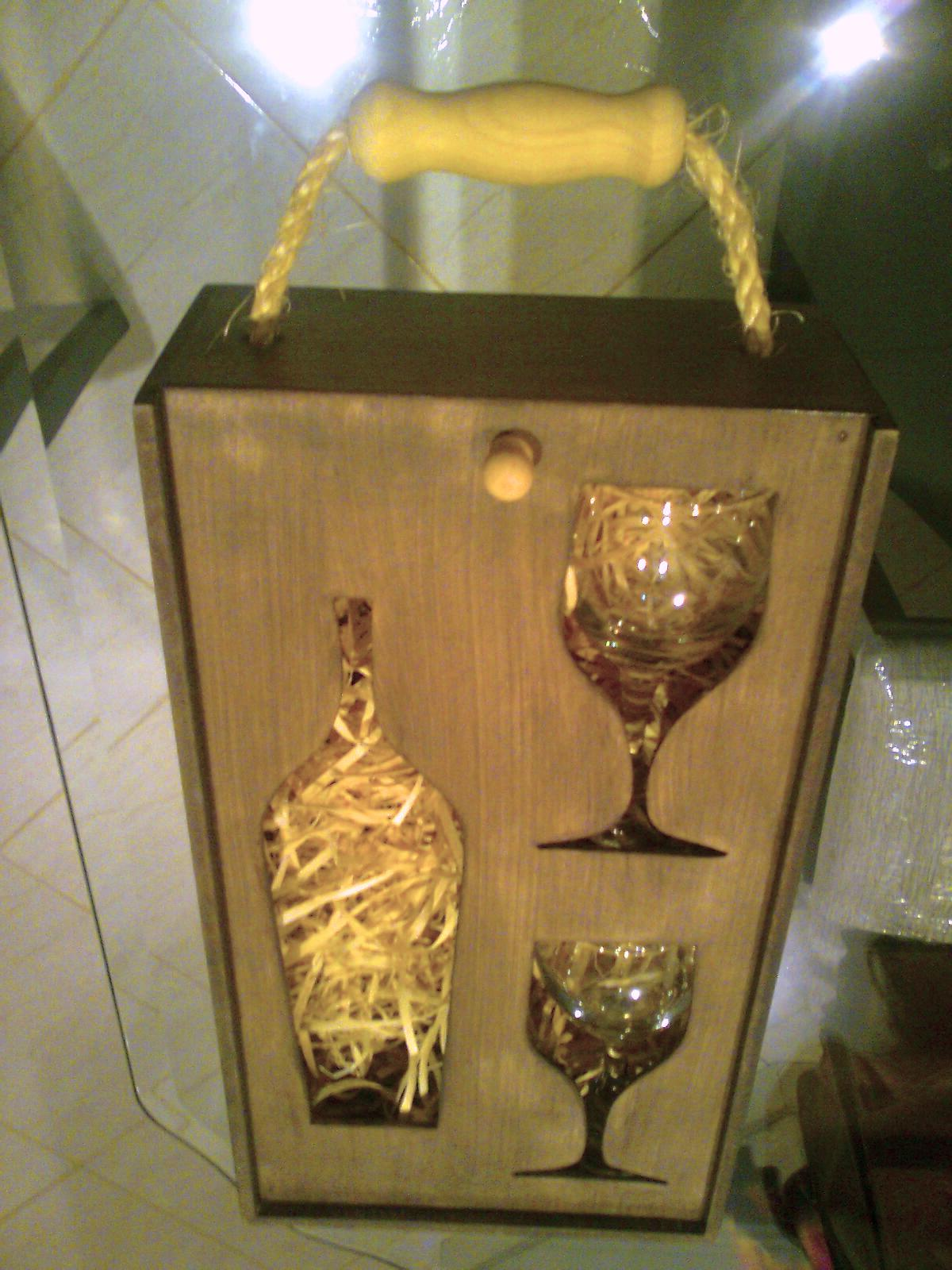 Van'Art Artesanato em Madeira: CAIXA PORTA VINHO em MDF c/ 2 Taças  #A58326 1200x1600