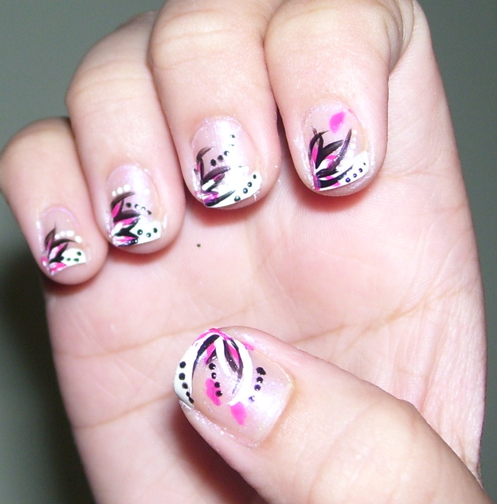 Abstract Floral Nail Art - Short Nails