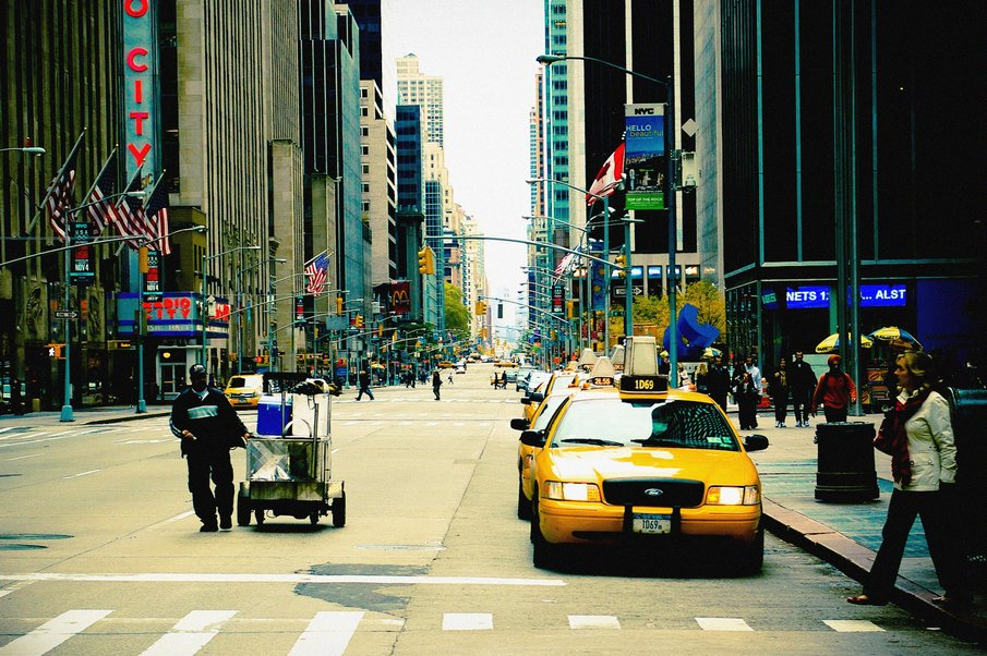 New York - 2010 Walk+In+New+York+2009+-+5th+Avenue+-+Street