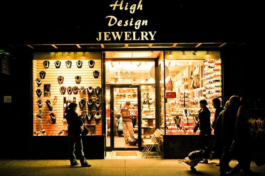 Walk in new york new york street high design jewelry for High design jewelry nyc