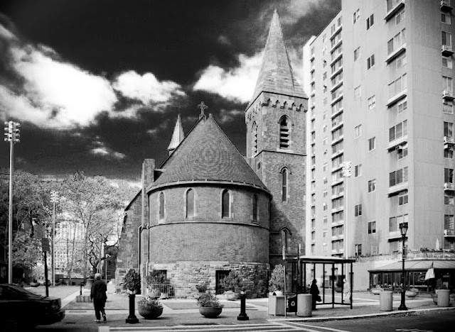 Walk In New York - Roosevelt Island - The Chapel of Good Shepherd