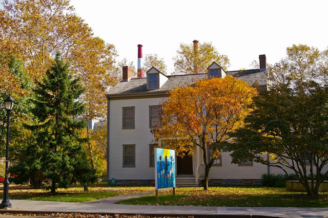 Walk In New York - Roosevelt Island - The Blackwell House - Roosevelt Island Fall for Arts Festival