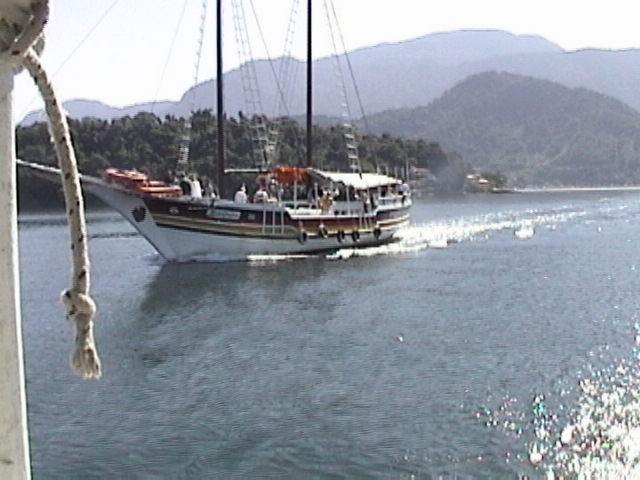 Velero navegando en Brasil