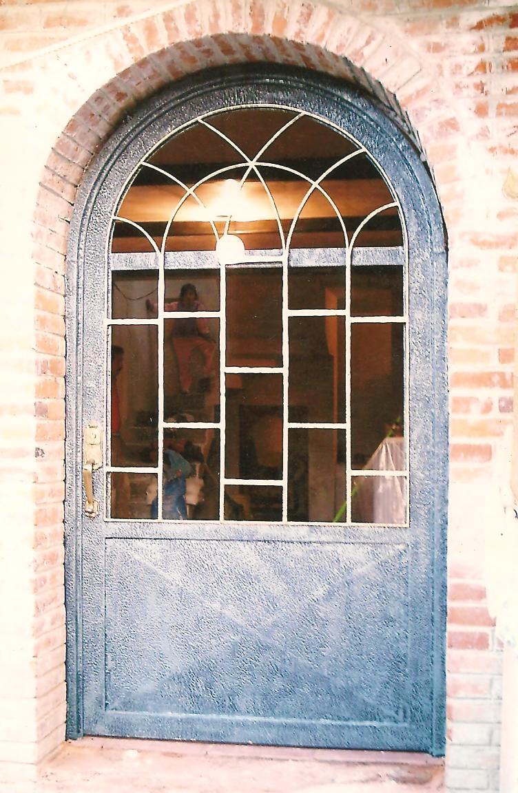 Top disenos de ventanas de herreria images for pinterest for Puertas de herreria forjada