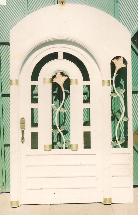 en el centro, ideal para un estilo colonial y arquitectonico en arco