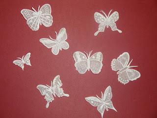 Как вырезать бабочку из бумаги своими руками фото