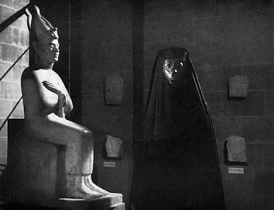 Le Fantôme du Louvre - Louvren kummitus