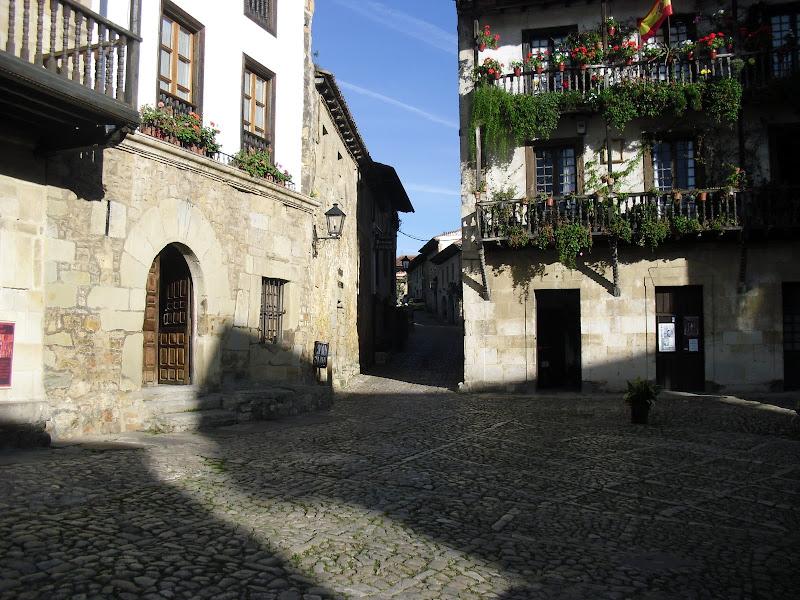 Plaza de Ramon Pelayo en Santillana del Mar