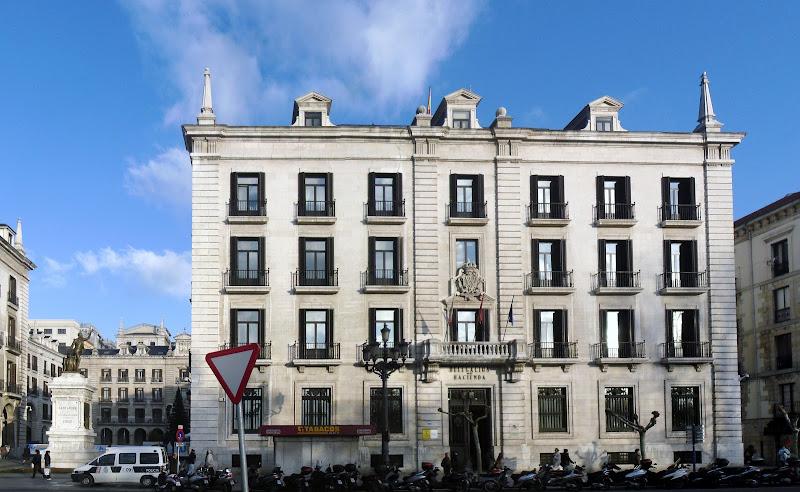 Edificio Delegacion Hacienda en Santander