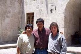 LOS CHOLOS: www.trioloscholos.com