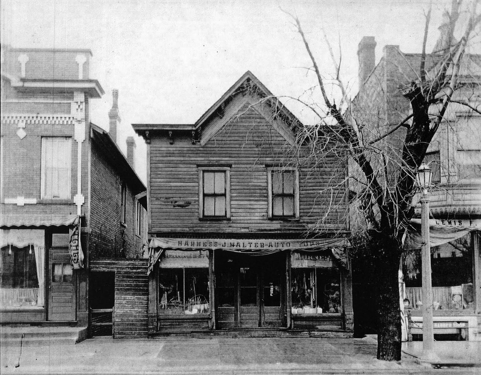 Old West False Front Buildings http://www.revitalizedesplaines.org/2010_03_01_archive.html