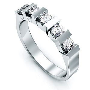 Peinados anillos de compromiso con brillantes for Precio rodiar anillo oro blanco