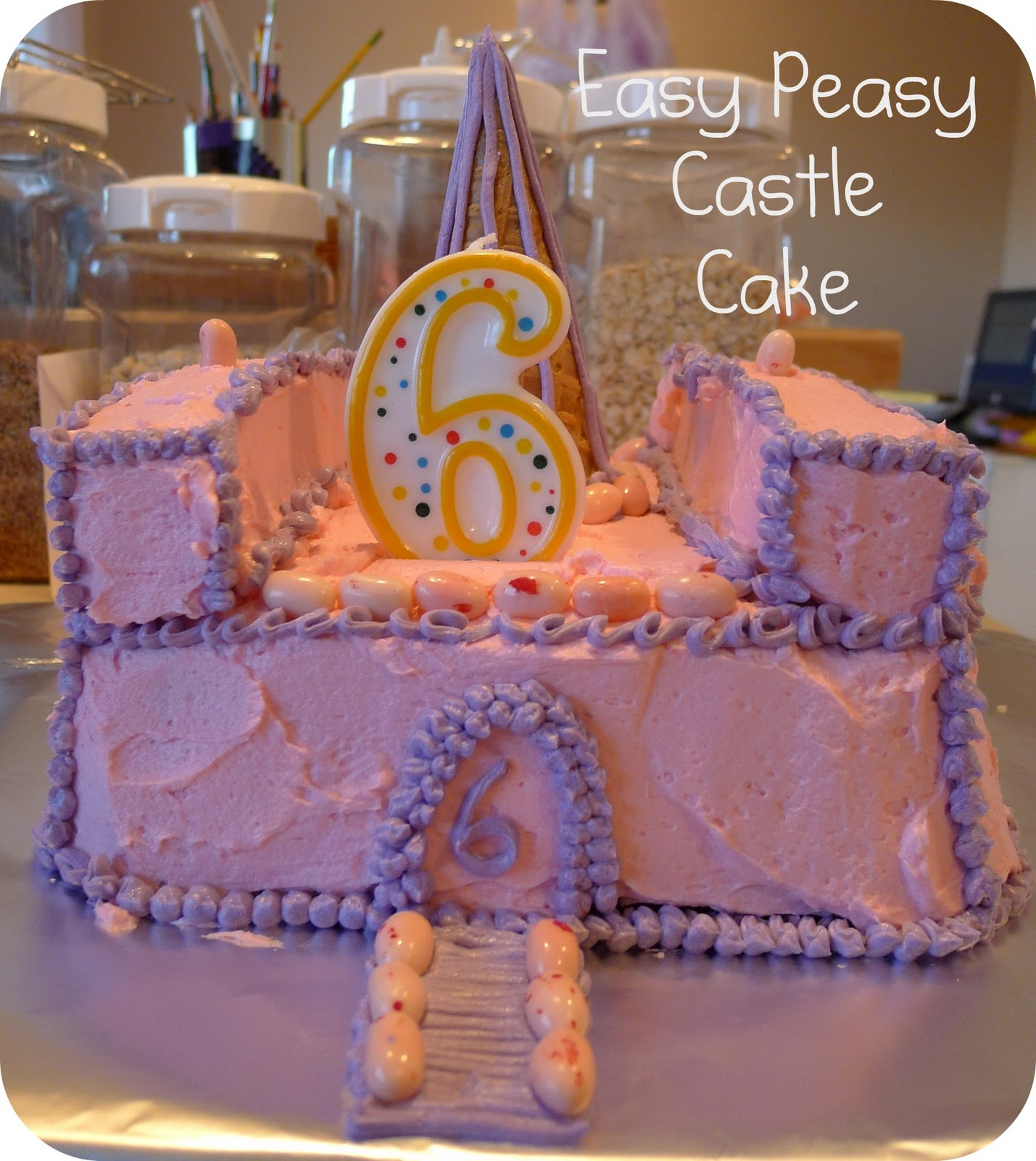 Easy Castle Cakes for Girls http://helpinglittlehands.blogspot.com/2011/01/easy-castle-cake.html