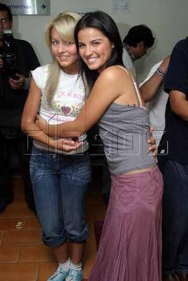 4.bp.blogspot.com/_TRMbApfw1XQ/TDjWYkoH86I/AAAAAAAANqI/YYIMIq4KXpA/s400/Angelique-Boyer-Maite-Perroni-Vico-Lupita-Rebelde-telenovelas-7287508-360-540.jpg