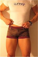 Wanqwear's short shorts