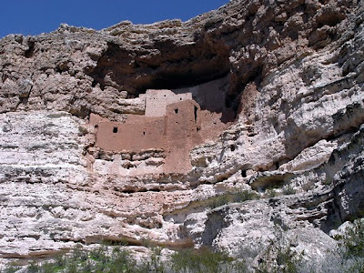 cliff dwelling, Montezumas Castle, AZ, photo by Robin Atkins