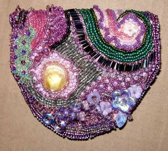 bead embroidery pouch by Carolyn Everly, shown closed