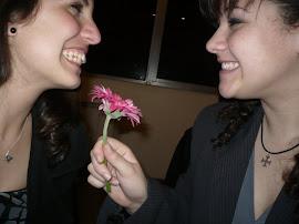 Una flor para otra
