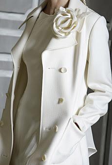 Ein Mantelkleid ( Bsp. 1 , Bsp. 2 ) oder eine Kleid-Mantel-Kombination ...