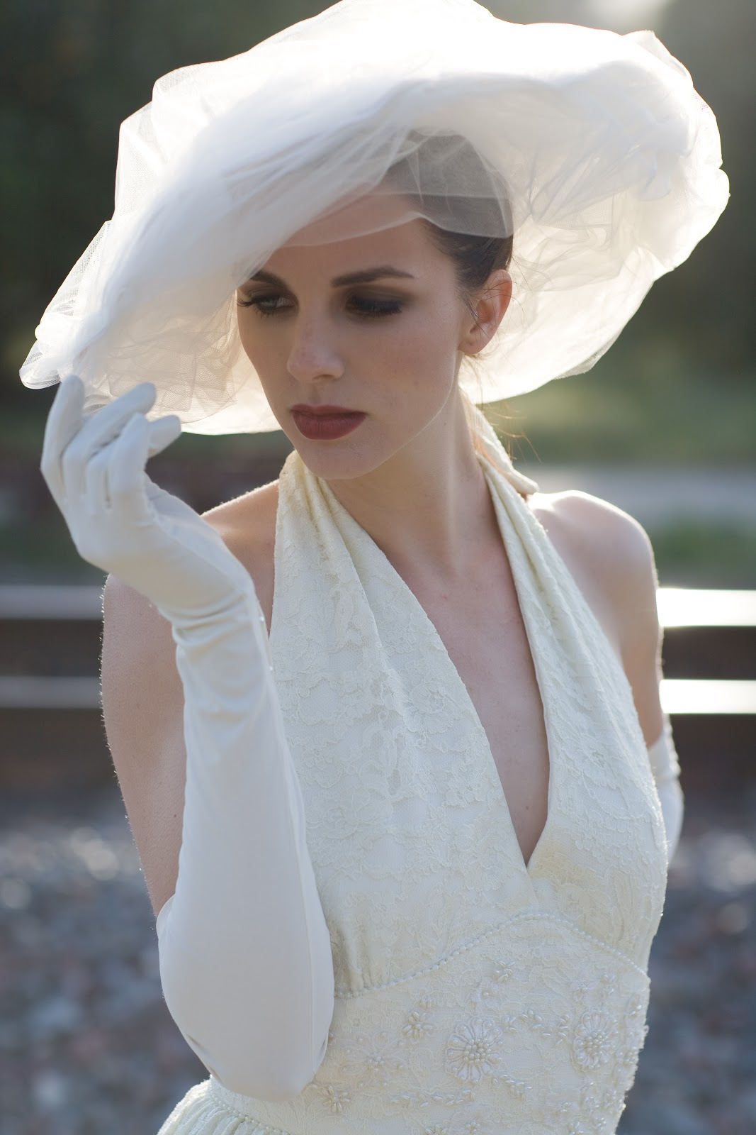 bride chic the fine art of wearing gloves