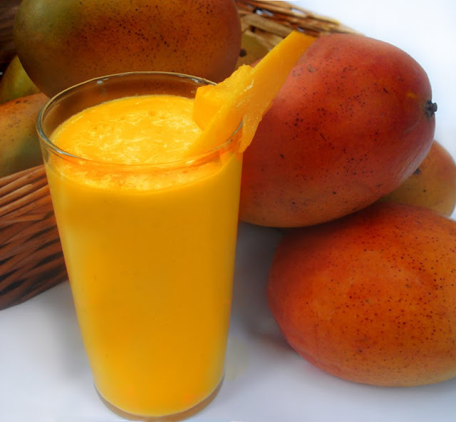Vegetarian Yogini: My Rich and Yummy Mango Lassi