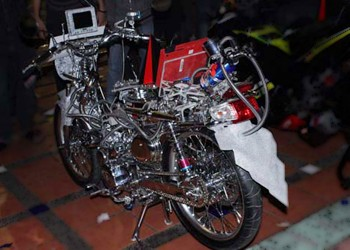 Honda Legenda Full Entertainment Modification