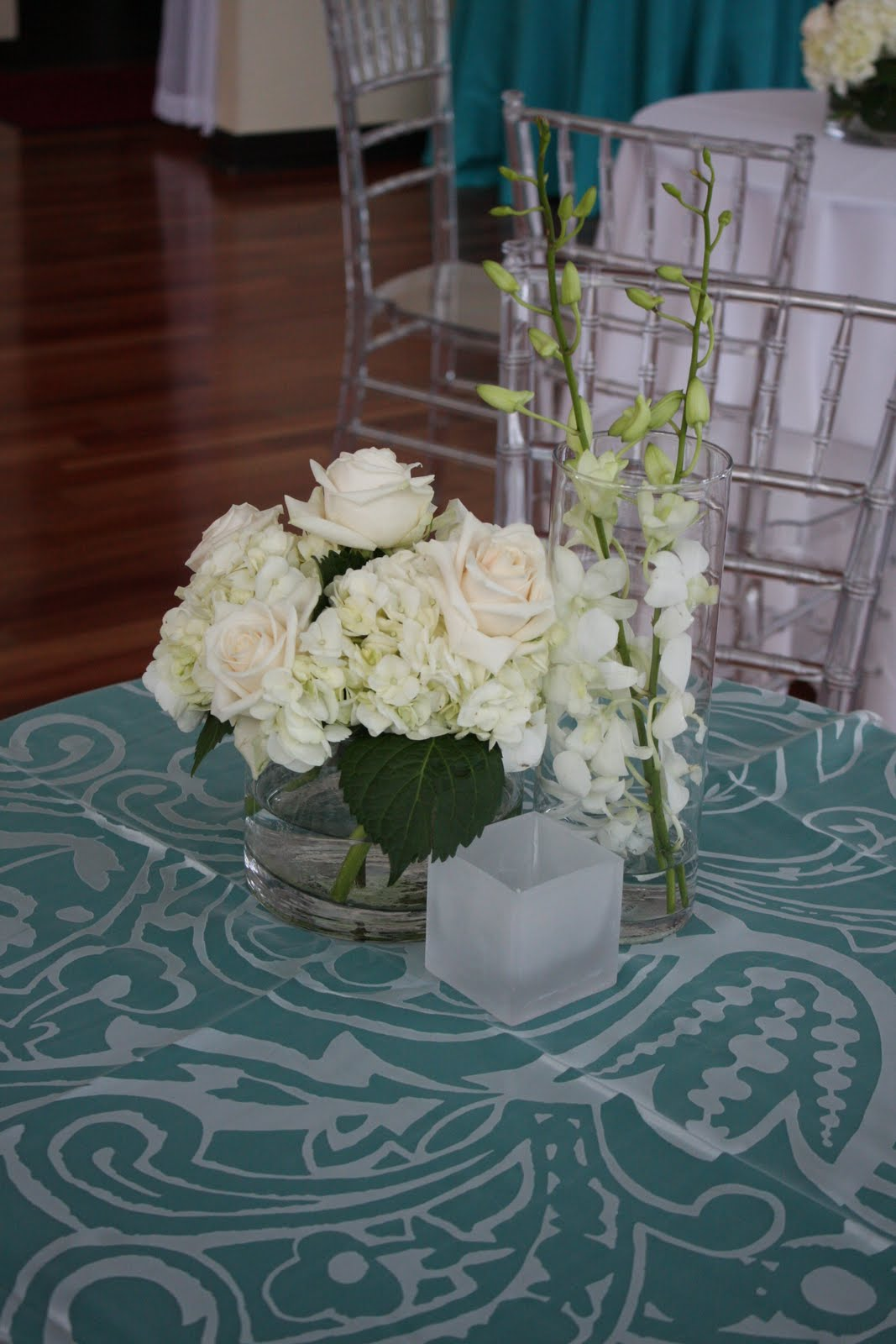 All White Flowers At Lumen Sisters Floral Design Studio Sisters