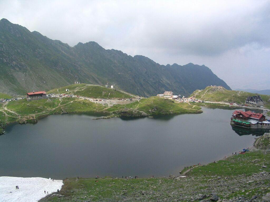 http://4.bp.blogspot.com/_TYJEEAQGSLo/TPJ77Ng7mUI/AAAAAAAABEA/MLZJox7tLWw/s1600/Balea-Lake%2B%25285%2529.jpg