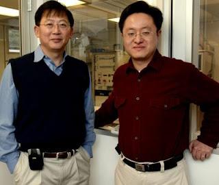 Princeton nanotechnologist Stephen Chou (left) with graduate student Xiaogan Liang