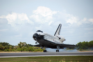 Space Shuttle Endeavour STS-118 Landing, Photo credit: NASA, Kim Shiflett
