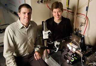 Graduate student Eric Duoss and Jennifer Lewis, MRL director and a Willett Faculty Scholar of Engineering