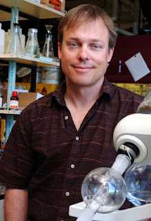 UO chemist Jim Hutchison pushes for green nanotechnology to reduce hazards in ACS Nano(Photo by John Bauguess)