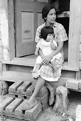 Mexican mother and child, San Antonio, Texas