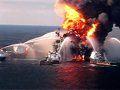 Deepwater Horizon BP Oil Rig Fire
