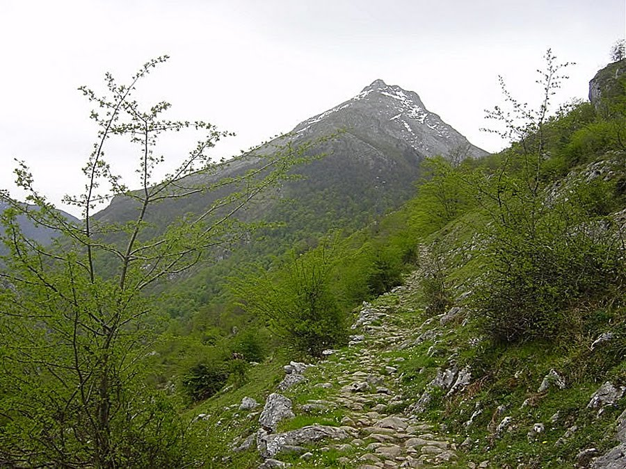 Mitología Asturiana: agosto 2010