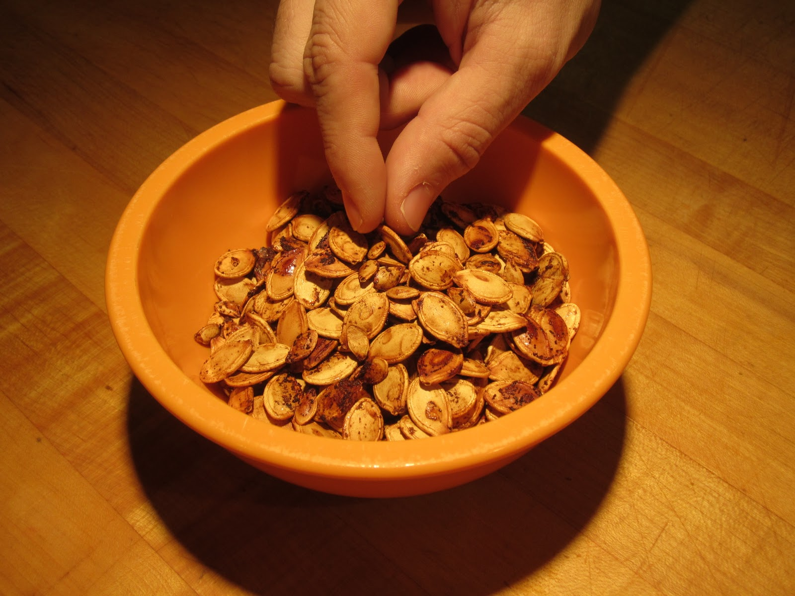 Toasted Pumpkin Seeds Recipe - The Lemon Bowl