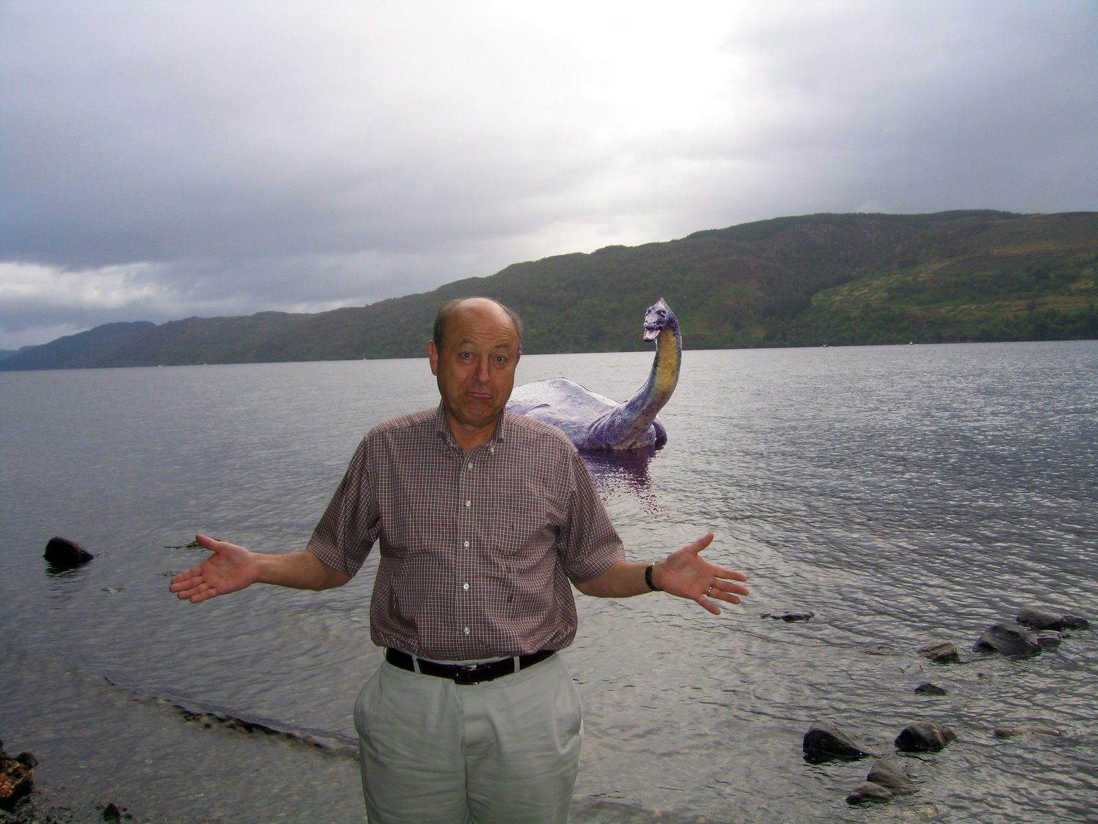 loch ness gay singles Tips for drivers in scotland using single track roads, particularly pertinent to inverness and loch ness where there are many miles of single track roads.
