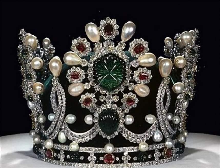 royal crwon