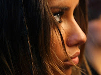 Adriana Lima Close-Up Desktop Wallpaper