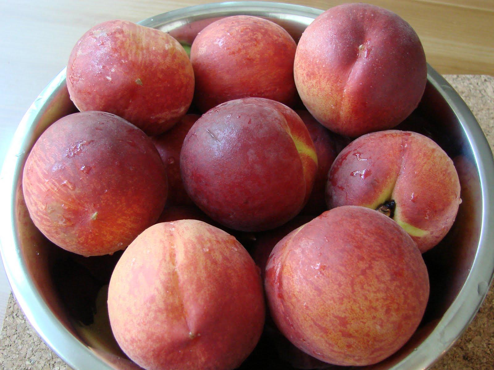 Halal Mama: Peach and Raspberry Crisp