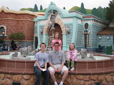 ToonTown - The Roger Rabbit fountain