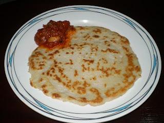sarapan-pagi-lempeng-kelapa-cicah-sambal-sardin.jpg (640×480)