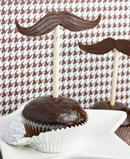 Moustache cupcakes from Sprinkle Bakes