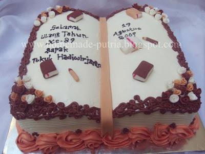 Order] 3D Book Cake & Tumpeng Jajan Pasar :: From Mba Tuti Jakarta ::