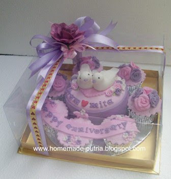Order] Anniversary Mini Cake & Cupcake Set From Mba Mita Jogja