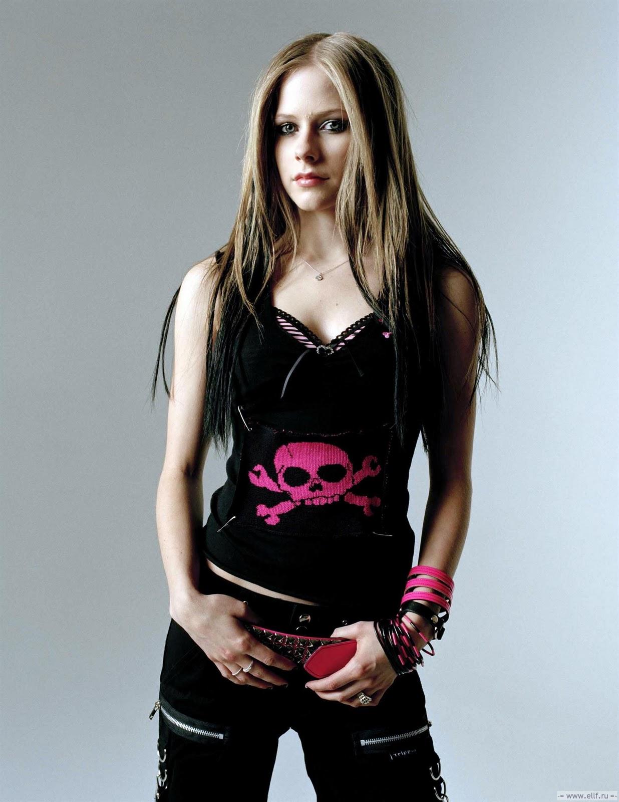 http://4.bp.blogspot.com/_Ti-K8J59JSE/TT8HdTIlFFI/AAAAAAAAAQ8/PryZK86Xdss/s1600/Avril_Lavigne_29.jpg
