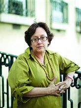 RTP2 ENTREVISTA Á ESCRITORA  LEONOR FIGUEIREDO veja a entrevista